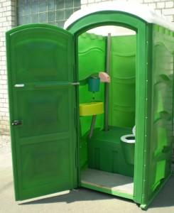 Туалетная кабина б у – как выбрать, и стоит ли брать данный продукт