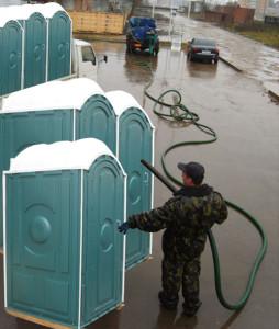 Уход и обслуживание туалетных кабин