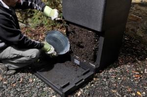 Уход и правильная эксплуатация компостера для дачи