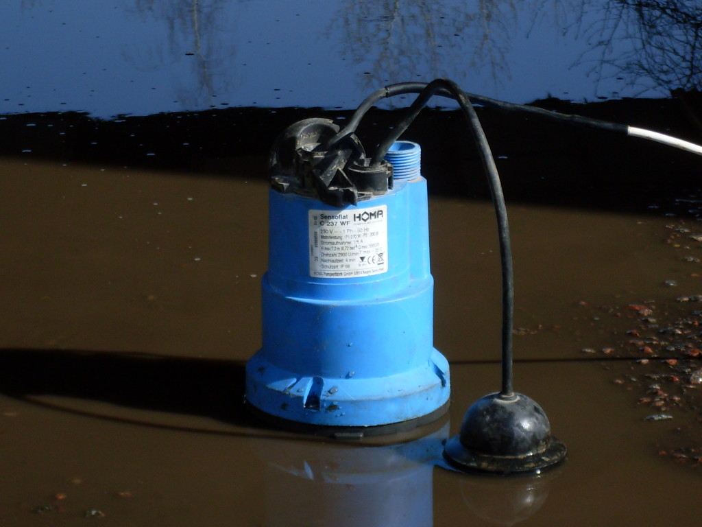 Помпа для откачки воды