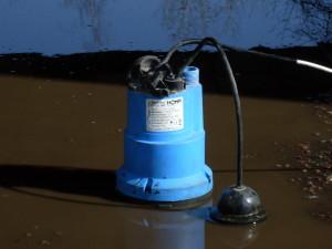 Мотопомпа для откачки загрязненой воды